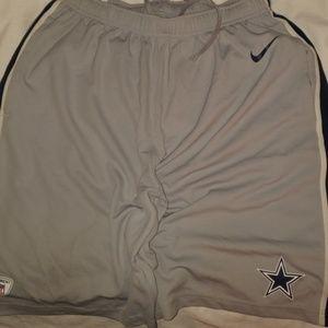 Nike nfl training shorts L Dallas cowboys